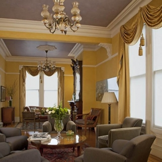 victorian_curtains_in_period_home